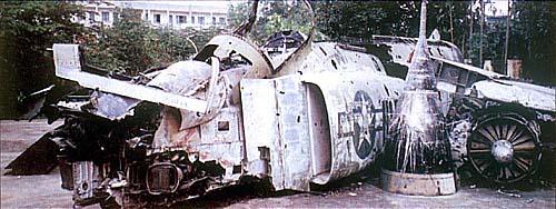 Обломки американского самолета F-4 «Phantom», сбитого вьетнамскими зенитчиками