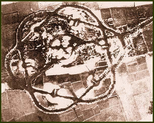 Позиция ЗРК С-75 во Вьетнаме. Фотография сделана самолетом RF-101 осенью 1966 г.