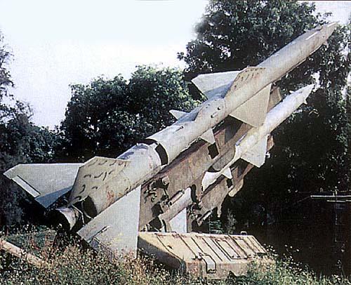 Пусковые установки зенитного ракетного комплекса С-75 во Вьетнаме